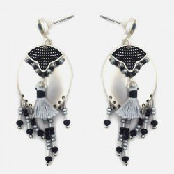 Paire De Boucles Doreilles Pompon Et Perles Pendantes