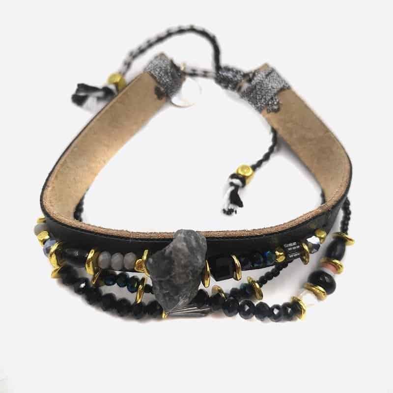 Bracelet Perles Et Pierre Centrale