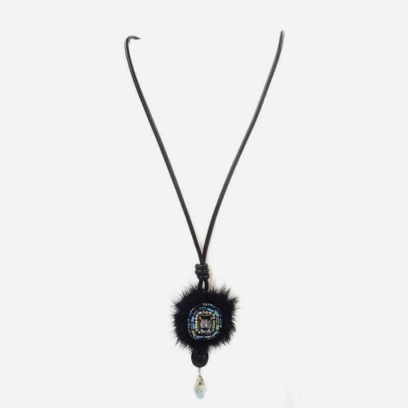 Collier Long Avec Pompon Et Perles